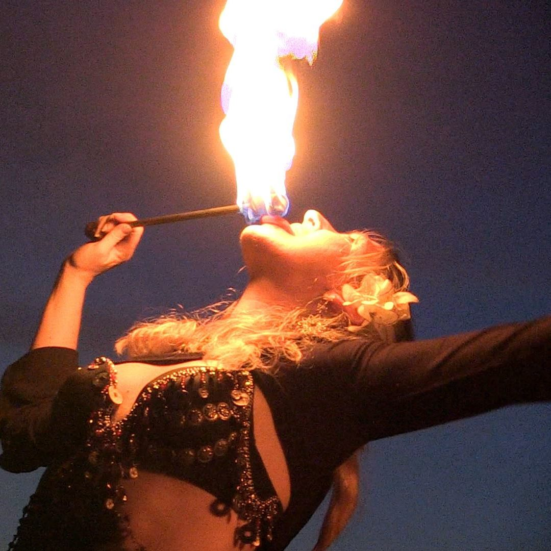 Fire eater | CherieDawnLovesFire.com
