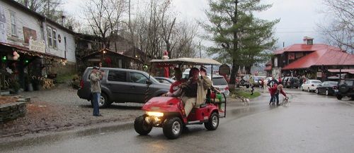 Rabbit Hash holiday parade A