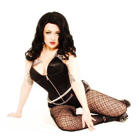 Burlesque performer Siobhan Atomica